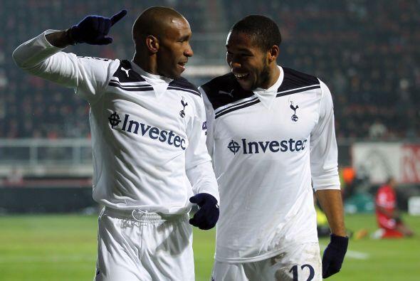 Pero los ingleses sacaron el empate por 3-3, con dos goles de Jermain De...
