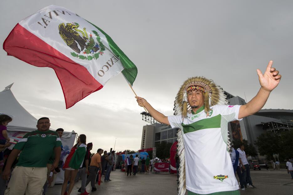 Gran colorido en el México vs. Honduras
