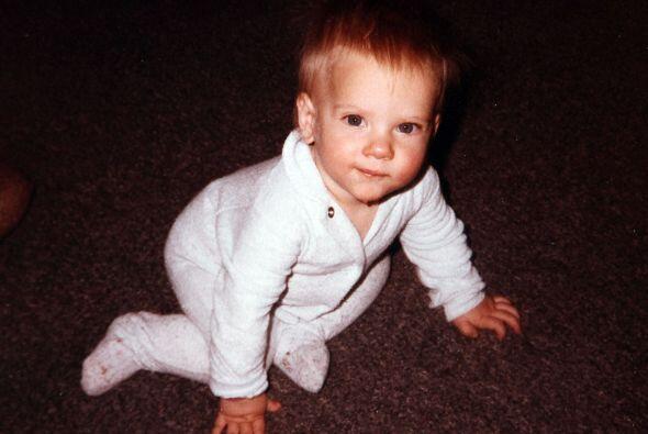 Para eso buscamos fotos de cuando Scarlett era bebé.