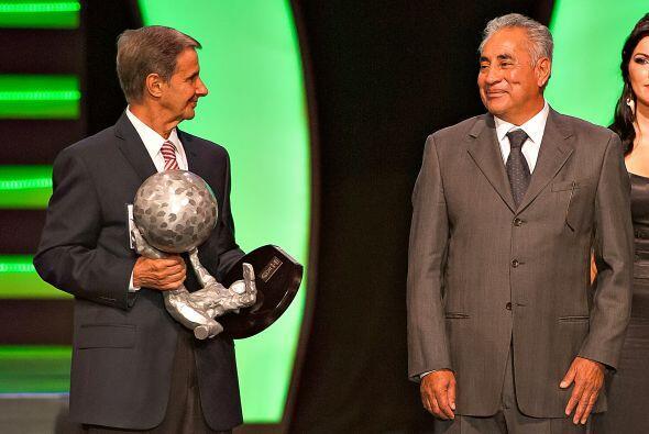 Enrique Borja hizo acto de presencia junto a Leo Cuellar.