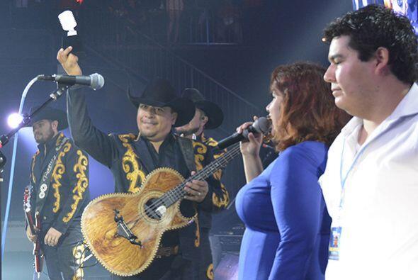 Sandi La Chika Maravilla y Beto Morales de 102.9 fueron los encargados d...