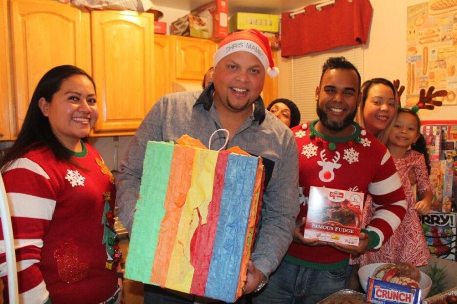 Familia latina pasa una feliz parranda IMG_2881.jpg