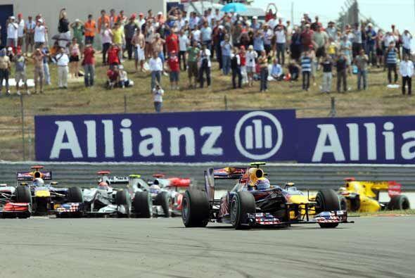 Sin embargo, los dos Red Bull tomaron el mando para hacer el 1-2 practic...