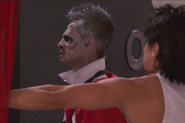 Y hasta Miguel Bosé apareció en el hotel convertido en zombie.