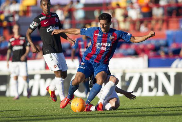 Un jugador que regresa al conjunto celeste es Alejandro Vela quien busca...
