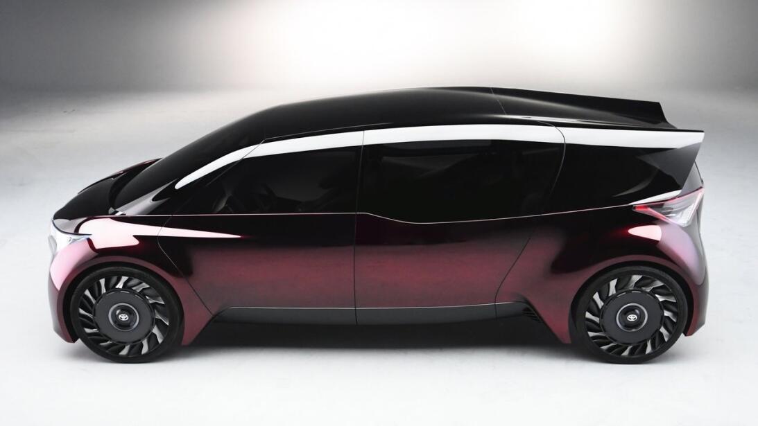 El Toyota Fine-Comfort Ride Concept busca redefinir al sedán de lujo toy...
