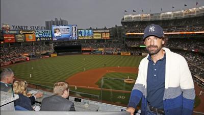 Andrea Pirlo visita el Yankee Stadium