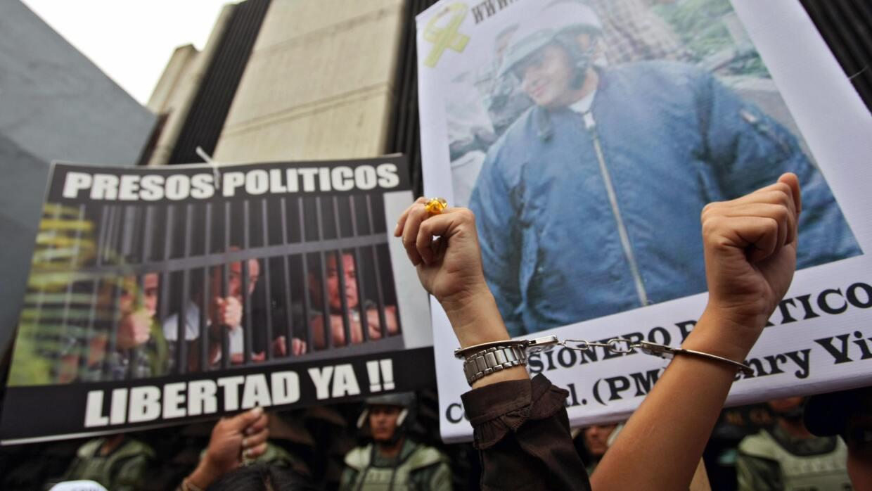 Manifestación en Venezuela pide la libertad de los presos políticos.