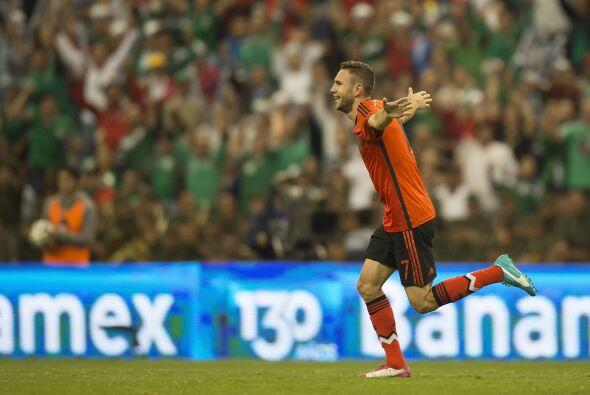 Miguel Layún (8): De los pocos jugadores que intentaron algo diferente e...