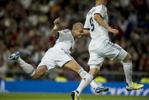 Le sigue el portugués del Real Madrid, Pepe.