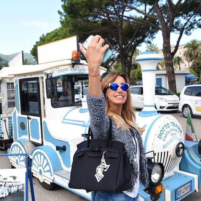 Lili Estefan en sus vacaciones por Europa
