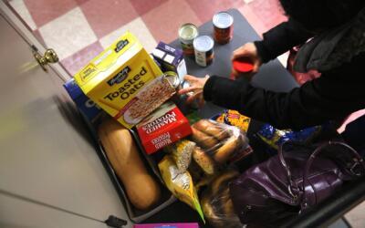 La cesta de alimentos tendrá productos básicos.
