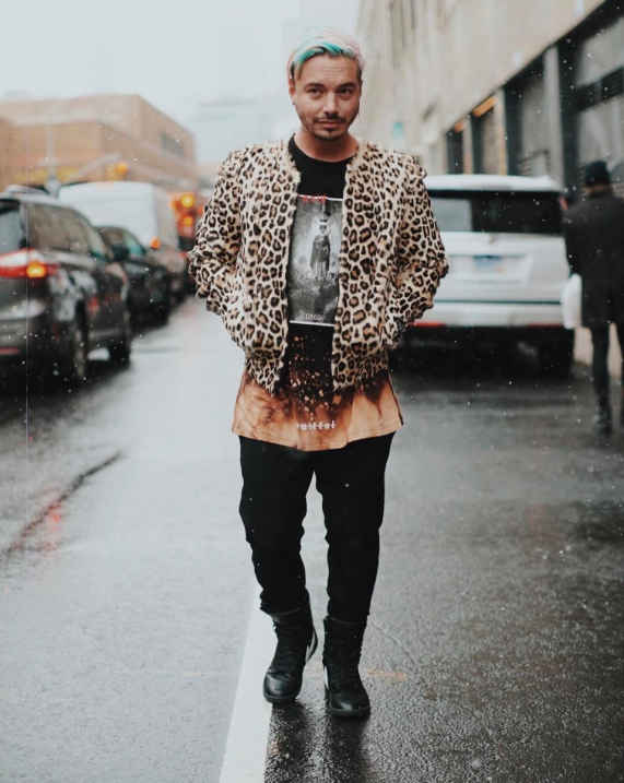J Balvin es uno de los seis embajadores del New York Fashion Week de hom...