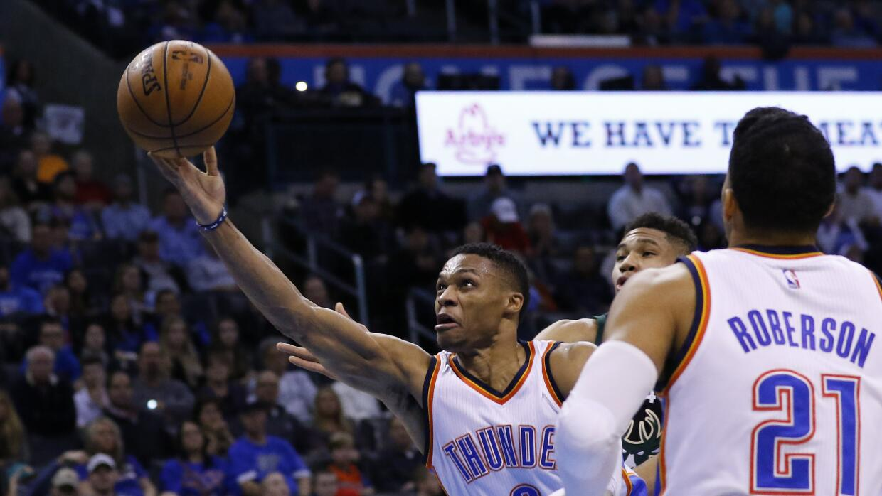 Oklahoma City venció 131-123 a Milwaukee