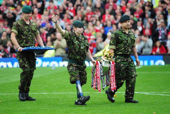Tuvieron que llegar las fuerzas militares inglesas para poner orden con...
