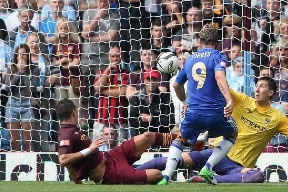 El delantero español se escapó de la defensa y mandó el balón al fondo d...