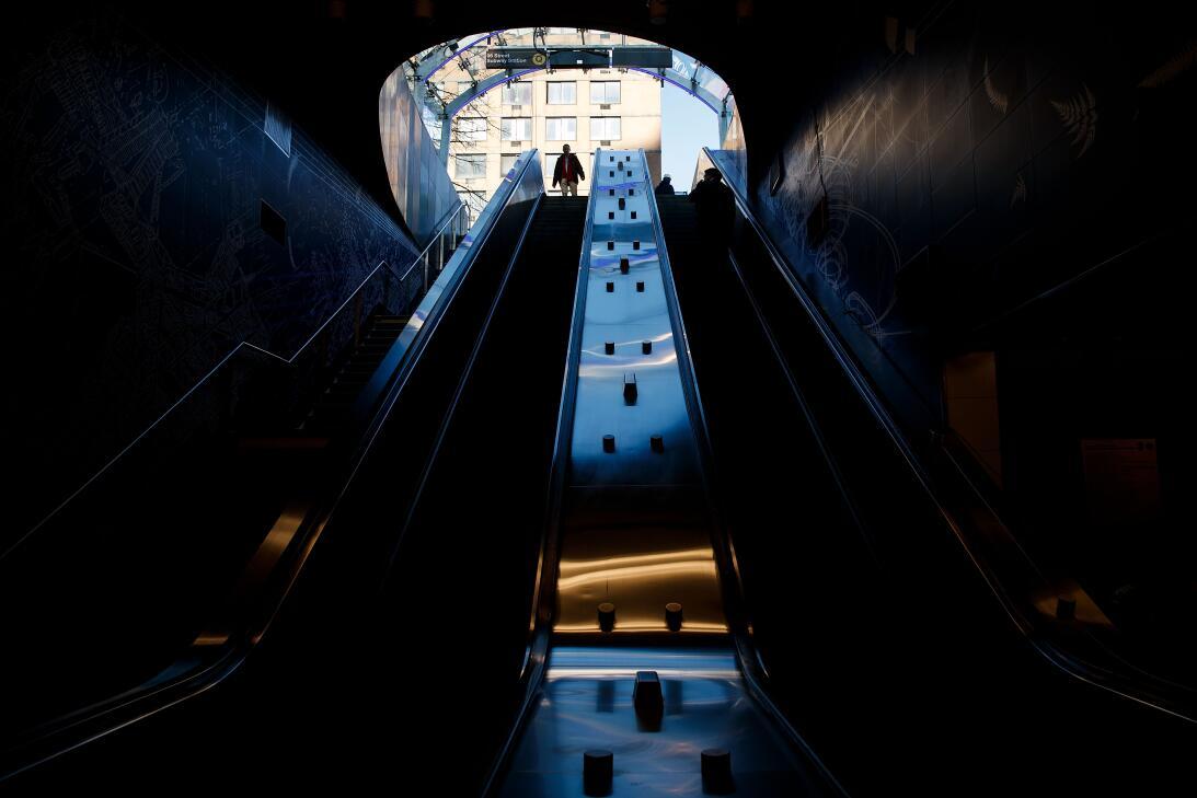 Una entrada de la estación en la calle 96, inaugurada este 1 de enero de...