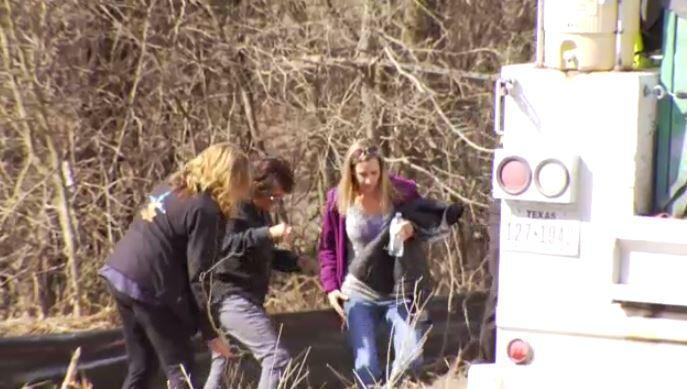 Restos hallados en un área boscosa de Texas son los de Christina Morris,...