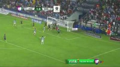 Goooolll!! Hugo Isaác Rodríguez mete el balón y marca para Pachuca