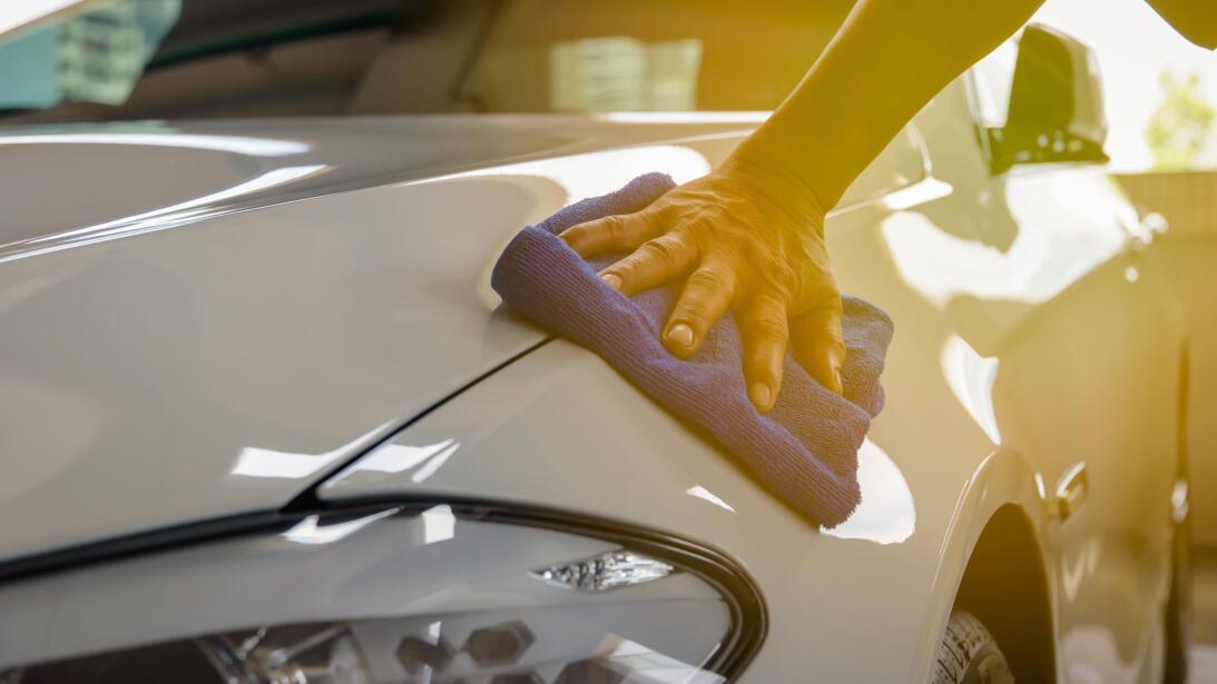 10 tips para lavar tu carro como todo un profesional  shutterstock-65029...