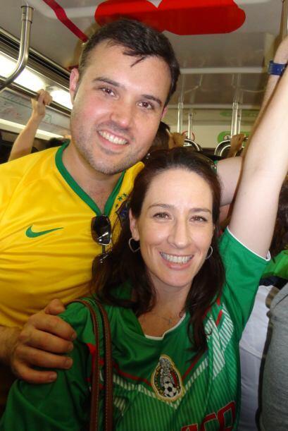 Luego del partido Bélgica-Rusia, Alberto y su esposa Fay regresaron del...