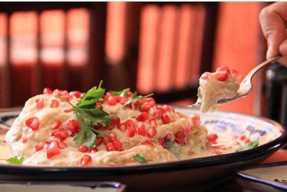 El más poblano es el chile en nogada. La cocina poblana consta de una ri...
