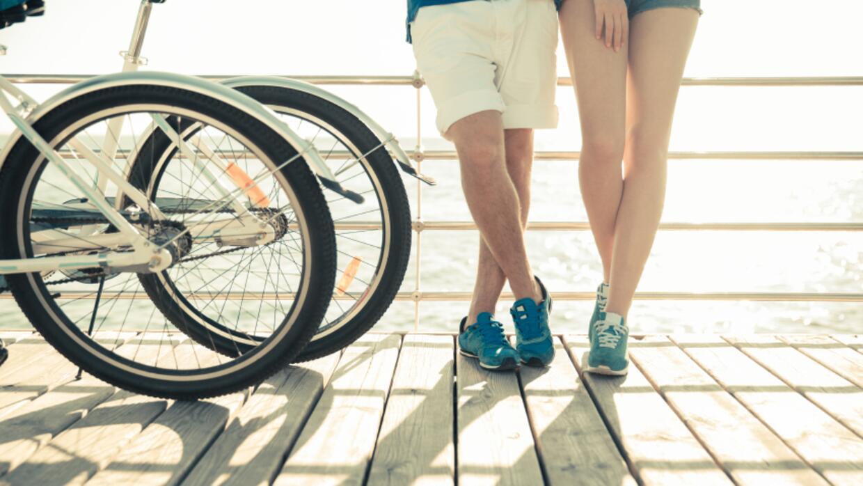 Pareja con bicicletas