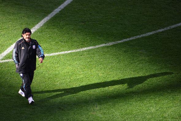 """""""Hablé justamente ayer con Diego Armando Maradona y me insistió telefóni..."""