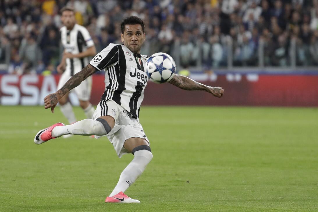 Dani Alves (Juventus)