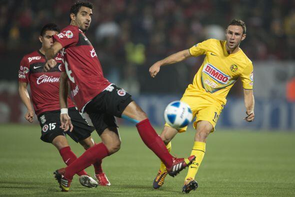 Miguel Layún puso ambición en cada pelota pero no tuvo una noche tranqui...