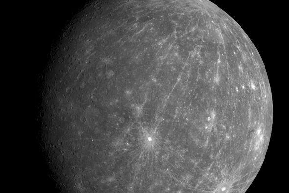 Mercurio, su nombre es en referencia al dios romano del comercio.