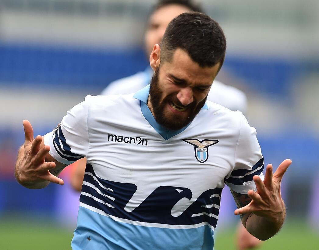 Lesiones insólitas de futbolistas al celebrar un gol gettyimages-4641188...