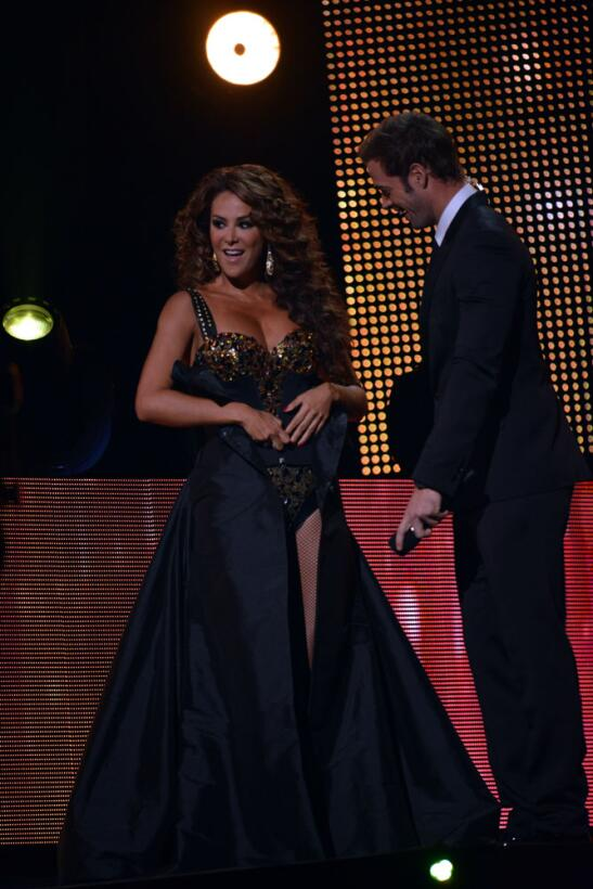 Ninel Conde y William Levy en Premio Lo Nuestro 2014.