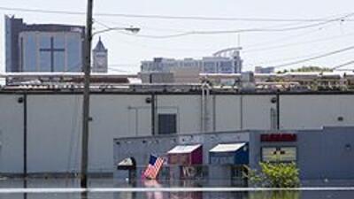 Lanzan campaña de ayuda para daminificados por inundaciones en Nashville...