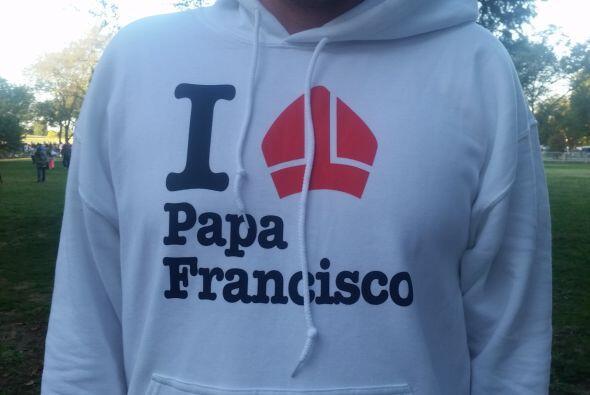 El suéter de una de las peregrinas. (Foto por José Ángel Gonzalo)