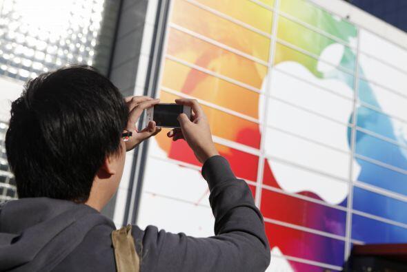 APPLE- El grupo informático estadounidense Apple anunció que sus benefic...
