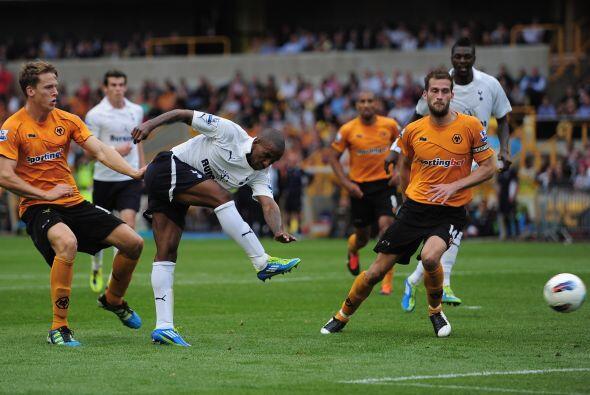 Wolverhampton recibió al Tottenham en un duelo de necesitados.