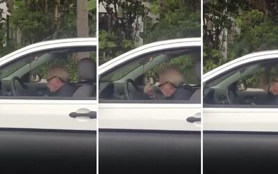 Mira como este anciano se vuelve loco escuchando Metallica