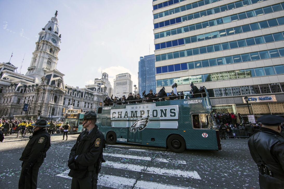 Philadelphia se volcó a las calles para recibir a sus Eagles: campeones...