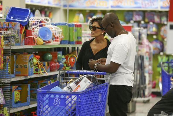 Kris Jenner y Corey Gamble pasaron largo rato viendo una gran selección...