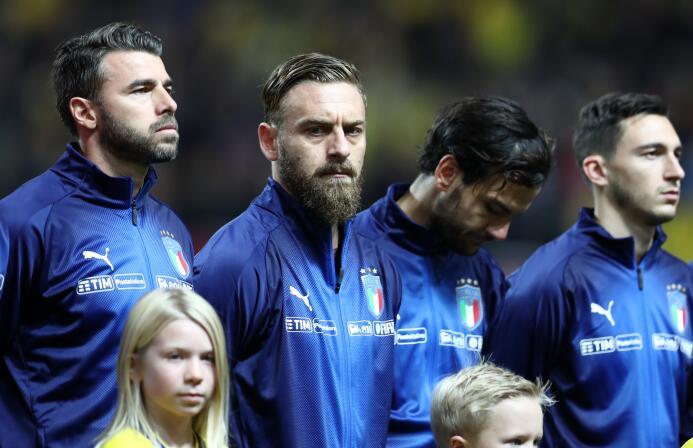 ¡Retirada masiva en Italia! Barzagli y De Rossi se sumaron a Buffon