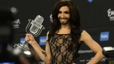 Conchita Wurst aseguró que ya firmó contrato para ser telonera de Gaga.