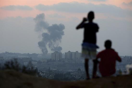 Se calcula que las tropas israelíes han registrado más de 2,000 vivienda...