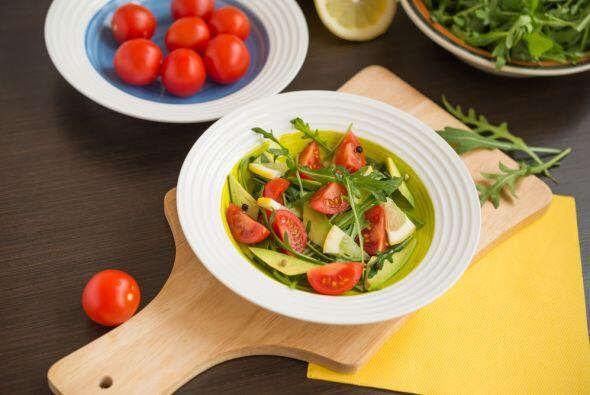Para el toque final añade sal, pimienta y cilantro a gusto. Deja que enf...