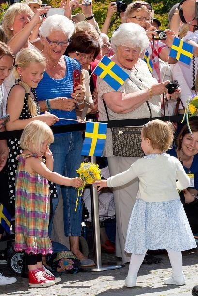 La familia recorrió las salas del castillo Linköping, habita...