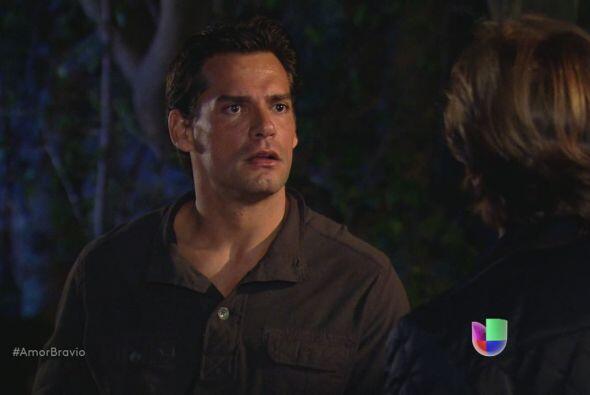 Mariano es incisivo sorbe las decisiones y actitudes de Daniel. Le dice...