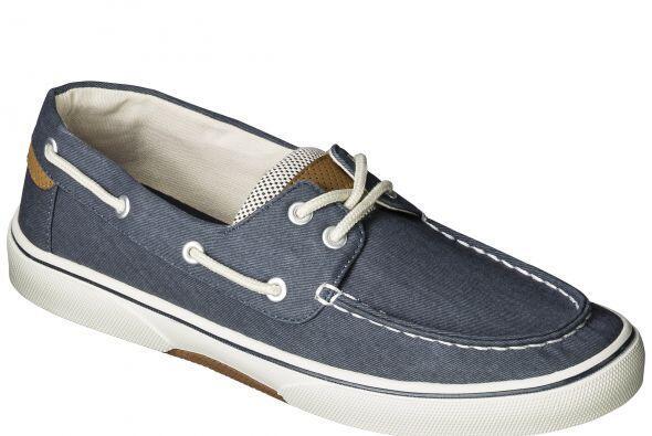 Como el calzado es un básico en los regalos de papá, no pueden faltar es...