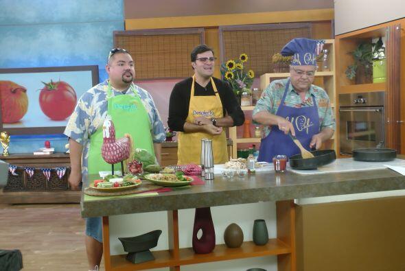 """""""Fluffy"""" también nos acompañó en el segmento de cocina con el Chef Pepín."""