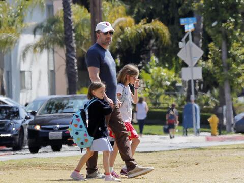 Ben Affleck realiza sus deberes de padre