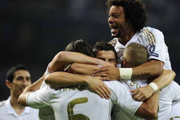 La fiesta era total. Real Madrid ganaba y el resultado era justo.